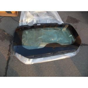 Скло кришки багажника
