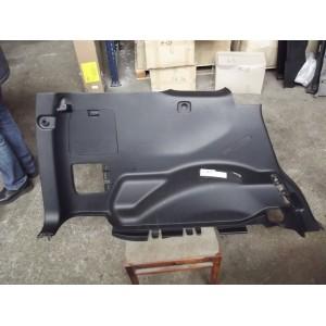 Обшивка багажника ліва нижня